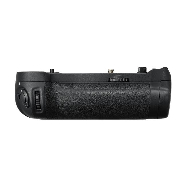 Nikon(ニコン) マルチパワーバッテリーパック  MB-D18